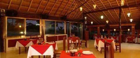 Restaurants Dos Playas Beach House Hotel